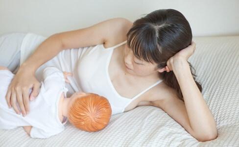 添い乳の一般的な姿勢・やり方